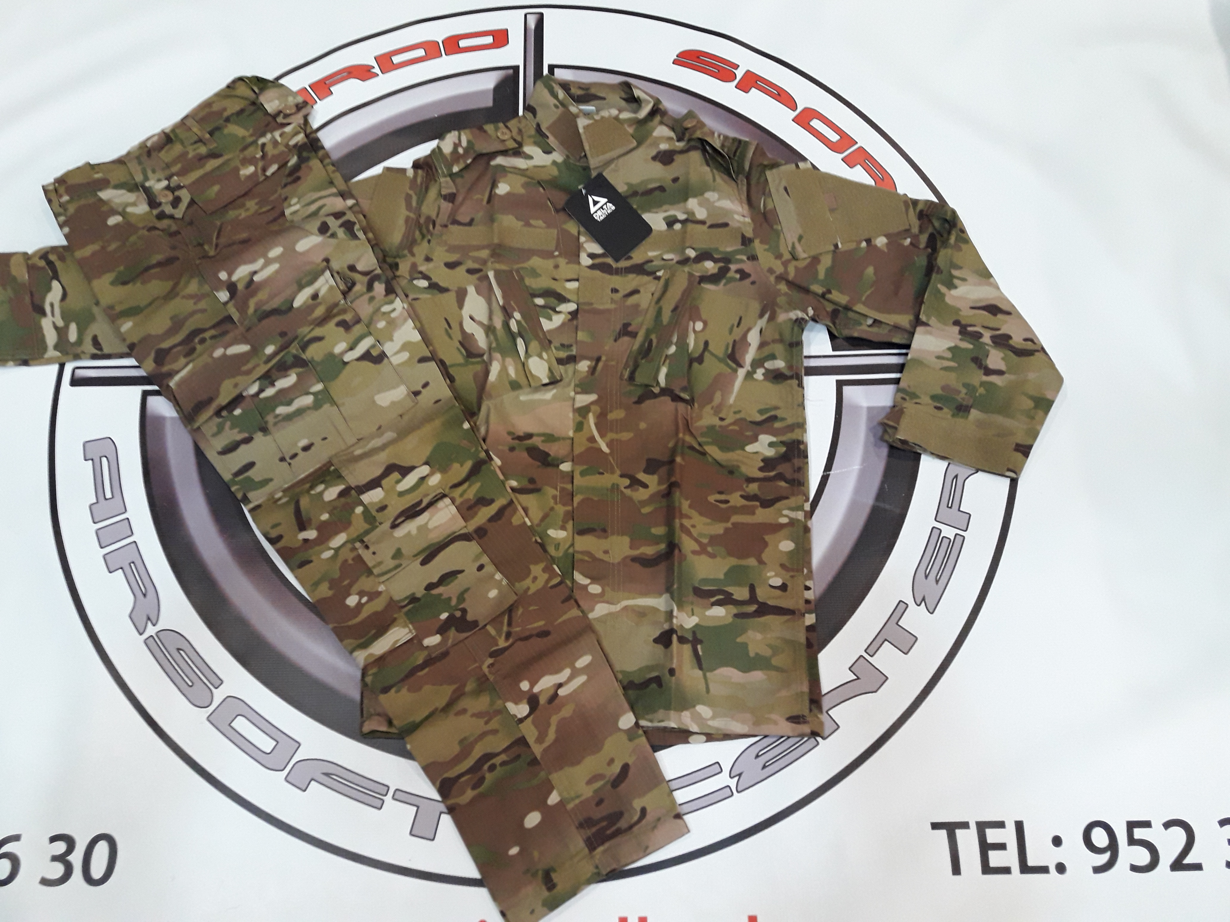 Uniforme Multicam Delta Tactics